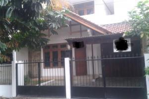 Rumah 2 Lantai, Strategis di BUMI KARANG INDAH