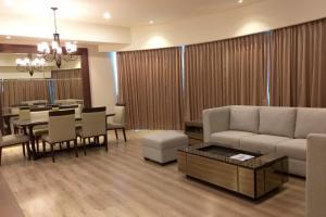 Dijual atau Disewakan Apartemen St Moritz 3 BR, Full Furnished - Jakarta, Jakarta Barat