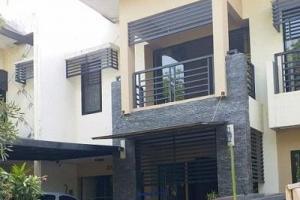 Rumah Serenity daerah Nginden Semolo Furnish Siap Huni