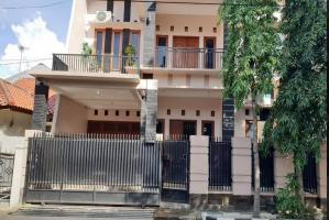 Rumah Nyaman Full Furnished di Lapan Kalisari Jakarta Timur