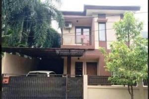 Rumah Second Nyaman dan Aman di Perumahan Kencana Loka BSD Tangerang Banten