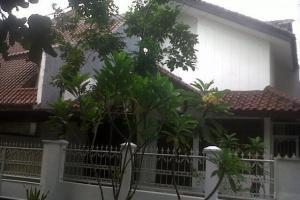 Rumah asri, nyaman & tenang di BUMI KARANG INDAH
