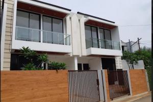 Rumah Baru 2 lantai di Cilangkap Cipayung Jakarta Timur