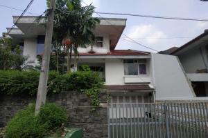 Jual Cepat, Rumah SHM/IMB, Asri & Nyaman di Bukit Cinere Indah
