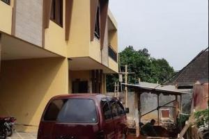 Rumah Cantik 2 LT Lokasi Strategis Condet Jakarta Timur