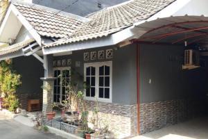 Rumah Second Minimalis di Ciracas Jakarta Timur