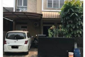 Rumah Second 2 Lantai Dijual Lingkungan Nyaman di Bukit Golf Cibubur