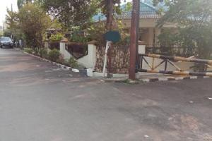 Rumah Second Dijual Asri dan Nyaman di Komplek Mega Cinere Depok