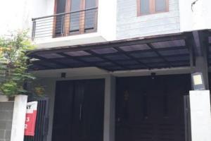 Rumah Baru 2 Lantai Dijual Asri dan Nyaman, Harga Terjangkau di Kemang Jakarta Selatan