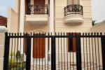 Rumah Baru Dijual Bergaya Klasik di Jagakarsa Jakarta Selatan