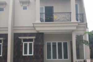 Rumah Baru Dijual Desain Modern dan Strategis Tanah Baru Depok