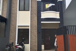 Rumah Baru 2 Lantai Minimalis dan Strategis di Ciganjur Jaksel