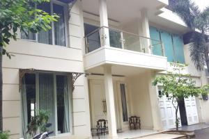Rumah 2 Lantai, SHM, Swimming Pool, di Kemang, Jakarta Selatan