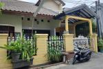Rumah Second Dijual Nyaman dan Strategis di Kav PTB Duren Sawit Jaktim