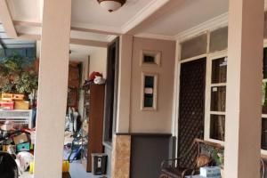 Rumah Second Dijual Minimalis dan Strategis di Perum. Kranggan Permai Bekasi
