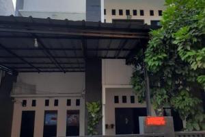 Rumah Second Dijual Asri dan Strategis di Kalisari Jaktim