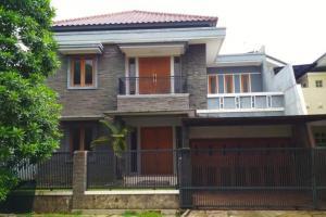 Rumah Mewah dan Nyaman di Perumahan Puspita Loka BSD Tangsel