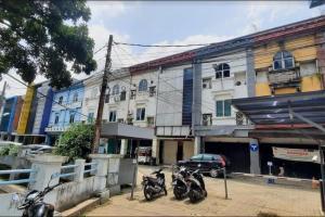 Sewa  Ruko 3 lantai   225m2 Graha Permata, Pancoran  , Jakarta Selatan